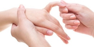 Hoidke sormega liigeseid valus liigesed kate sormedes Mida teha