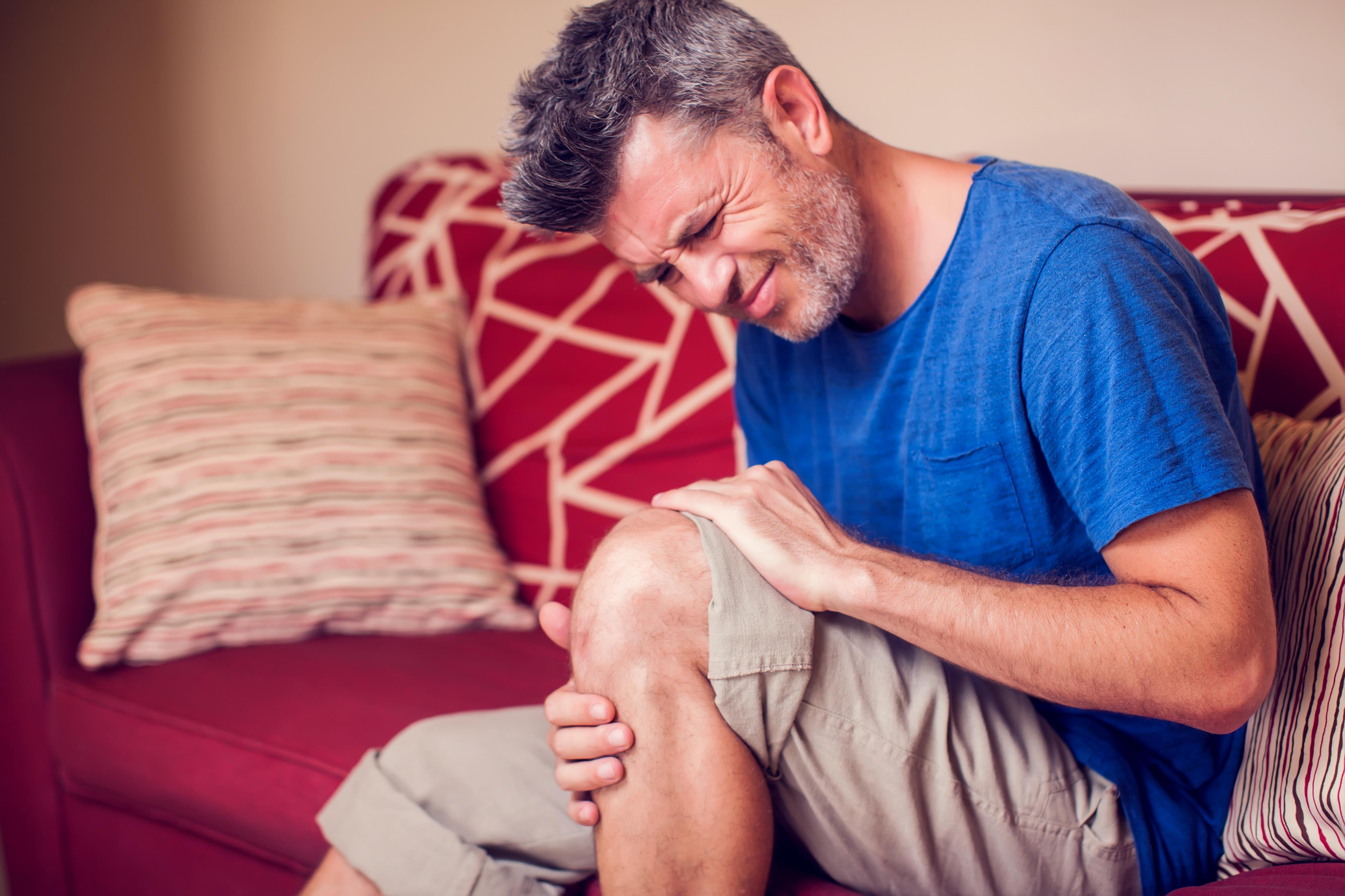 Valuliigendid salvi Poidla vasaku harjade artriit