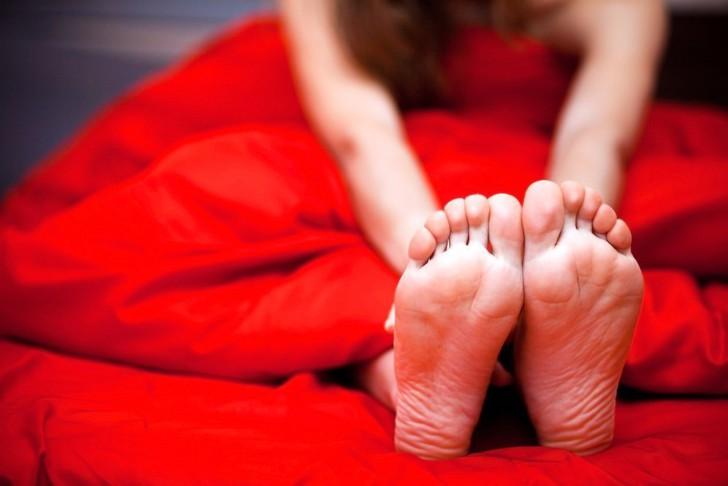 valjatootatud jalg valutab Naiste valus liigesed