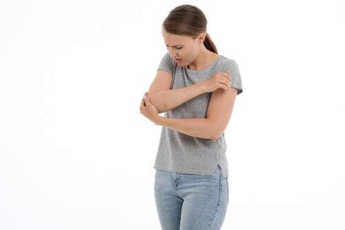 Reumali liigeste ravi inimeste meditsiin Iliaci liigeste valu