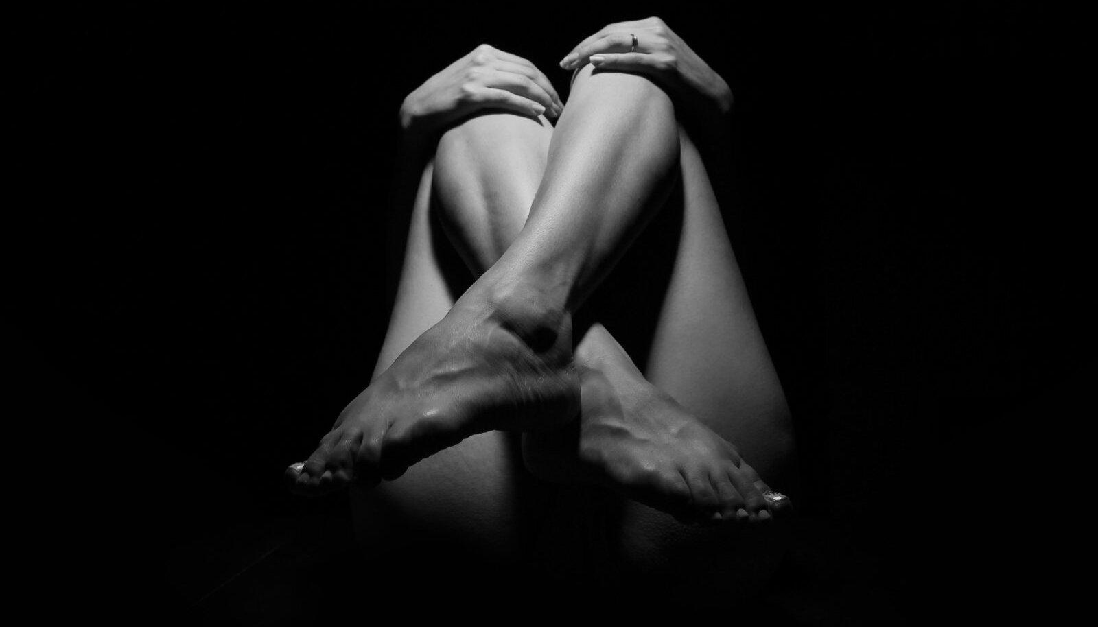 Kuidas vabaneda liigeste turse Valutab uhist jalgsi