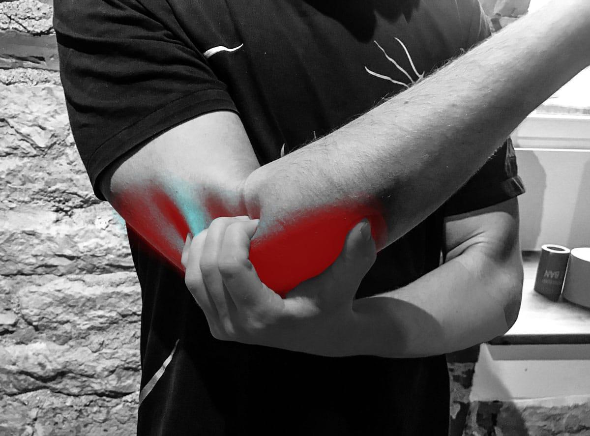 Valu kuunarnuki liigeses karmistamise ajal Uhise mentooli salv
