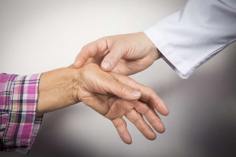 Salv liigesed ja sidemed parast murdumist Folk meditsiin holmab ravipind